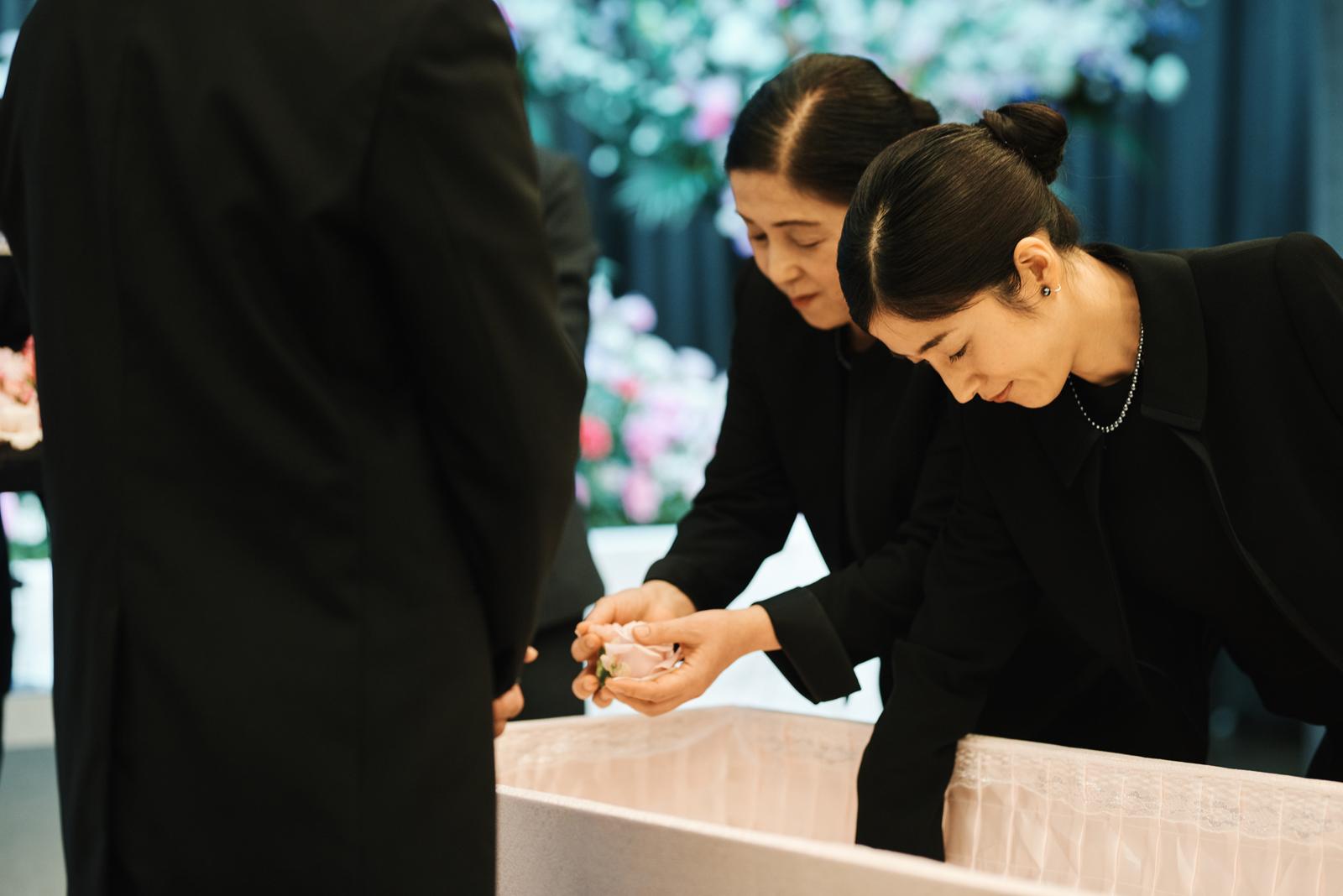 家族6人で送る温かなお葬式